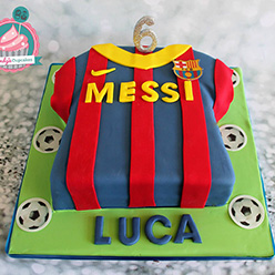 Messi football shirt birthday cake