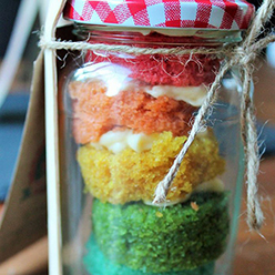 Cake in a jar - treats and wedding favours