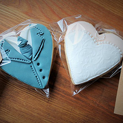 2 wedding cookies - treats and wedding favours